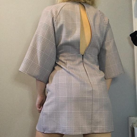 Topshop Dresses & Skirts - Keyhole dress